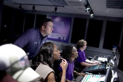 Stephen F. Austin State University is partnering with Lone Star College to offer students in the Houston area an opportunity to earn a Bachelor of Business Administration in sports business from SFA without having to relocate. The two institutions also will sign an articulation agreement to ensure a smooth transition for Lone Star College students to attend SFA.