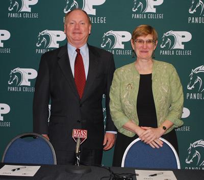 Powell and Shadduck pose for a photo prior to entering into a partnership between UNT and Panola College to help students further their college careers.