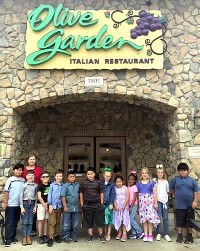 Joaquin Elementary Students Win Reward Trip To Olive Garden