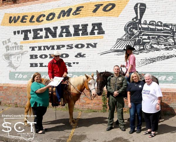 "Pictured are (from left): Amanda Treat, Tenaha City Secretary; Danny Dixon on ""Pepper,"" Jeremy Pope, Tenaha Police Chief; Sarah Dixon on ""Gypsy,"" Elizabeth Swint, Tenaha Municipal Court Judge; and Marilyn Corder."