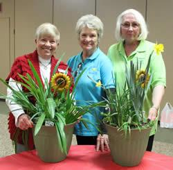 Door Prize Winners: (L to R) Linda Bordelon, Judy Matthews, and Shirley Owens